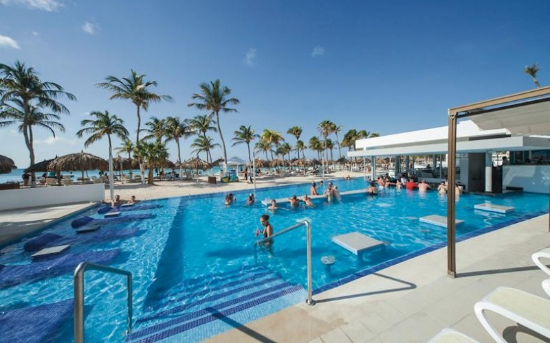 Hotel Riu Palace Antillas poolbar