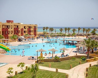 Royal Tulip Beach Resort Egypte zwembad