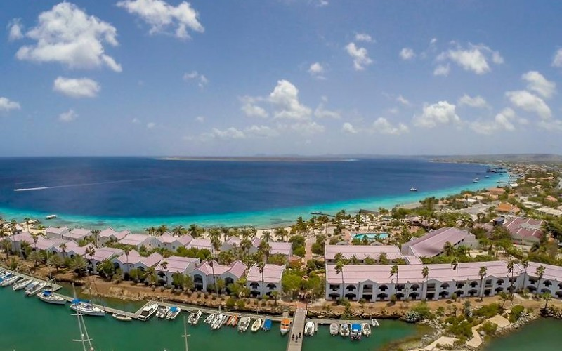 Plaza Beach Resort Bonaire bovenaanzicht