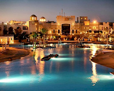 Hotel RED SEA The Palace avond