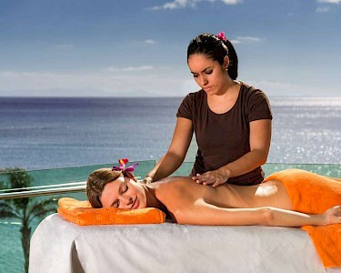 Arrecife Gran Hotel & Spa massage