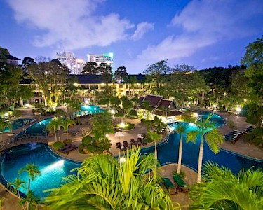 The Green Park Resort Thailand avond
