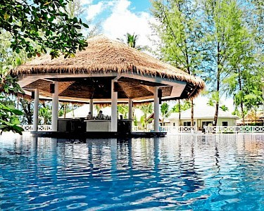 TUI BLUE Khao Lak Resort poolbar