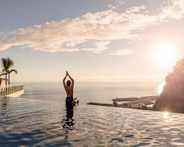 Savoy Saccharum Resort & Spa infinity pool