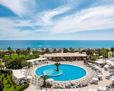 TUI BLUE Side Family Resort zwembad