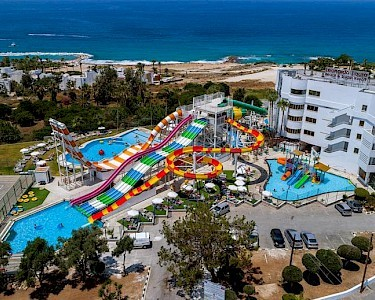 SPLASHWORLD Leonardo Laura Beach & Splash Resort waterpark
